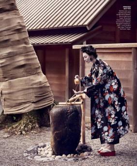 Karlie Kloss最近為美國版《VOGUE》拍攝的服裝單元「神隱少女」引起熱議,被砲轟是文化挪用(photo by Mikael Janssen)
